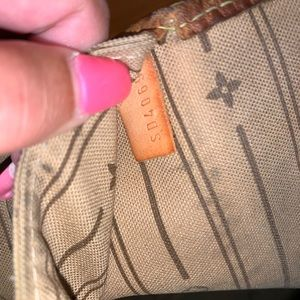 Louis Vuitton Bags - AUTHENTIC LOUIS VUITTON NEVERFULL